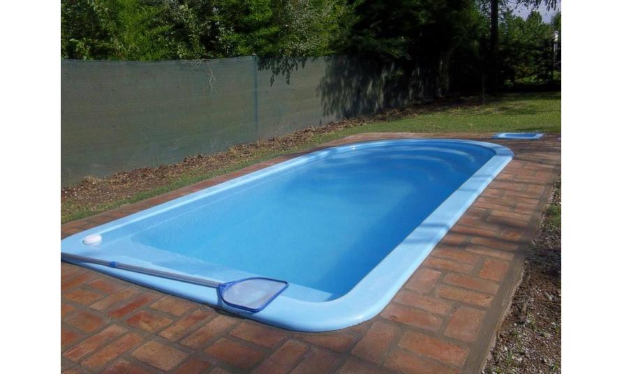Piscinas piscinas medianas productos cupulas am rica for Productos piscinas